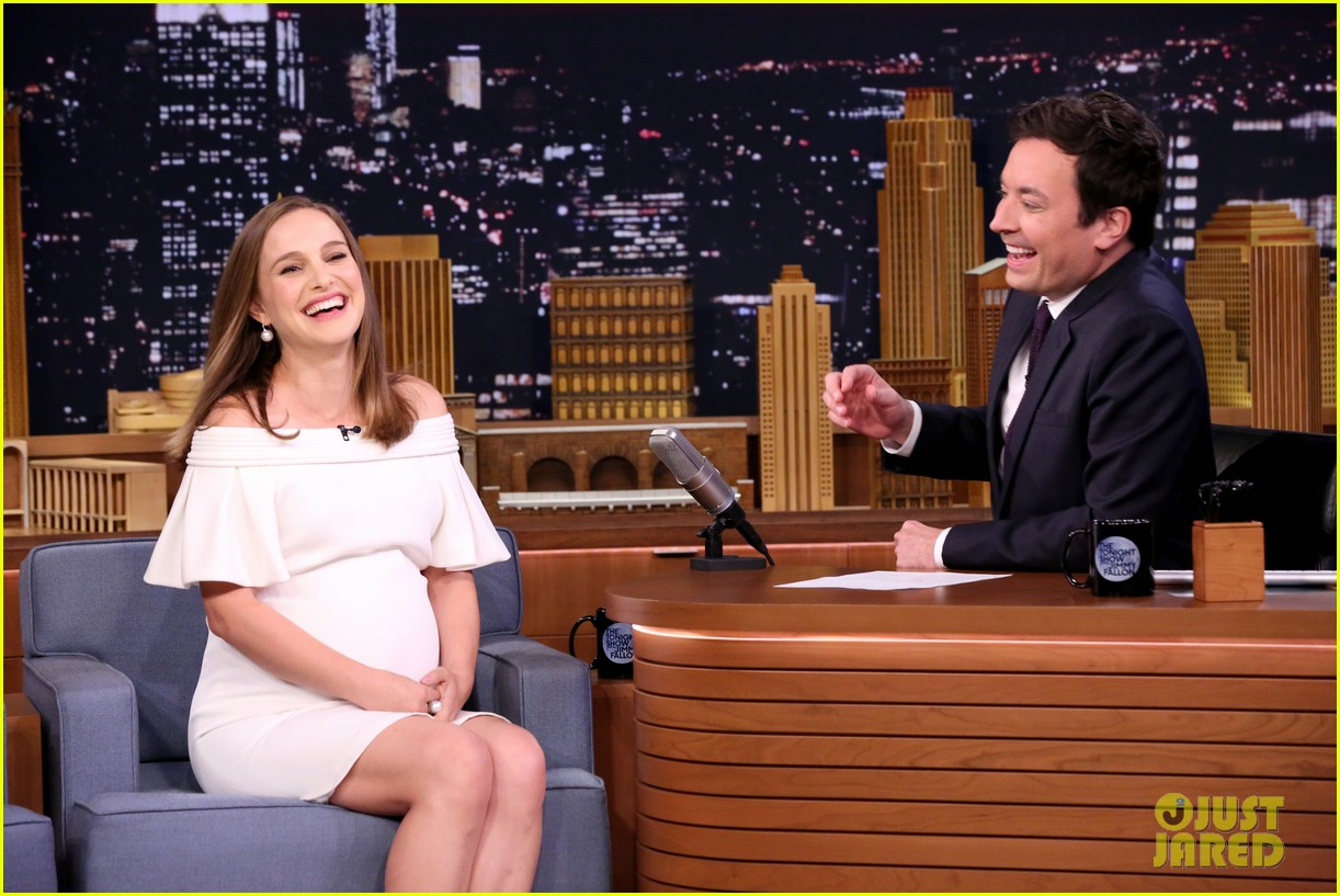 natalie portman is not as pregnant as she looks i have months to go 043817885