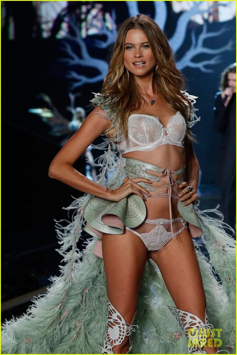 cea69d0c54 Behati Prinsloo Won t Walk in Victoria s Secret Fashion Show This Year
