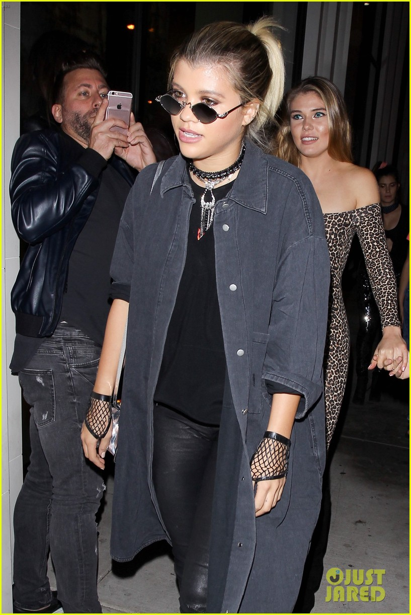 sofia richie goes goth for halloween party 023799662