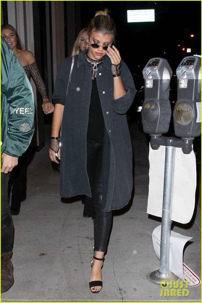 sofia richie goes goth for halloween party 033799663