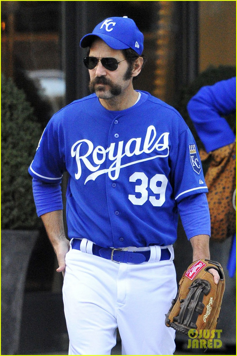 Paul Rudd S Halloween Costume Was The Mad Hungarian Photo 3799485 2016 Halloween Paul Rudd Pictures Just Jared