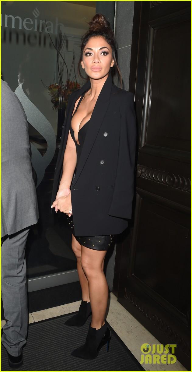 nicole scherzinger rocks revealing dress for night out in london 063817182