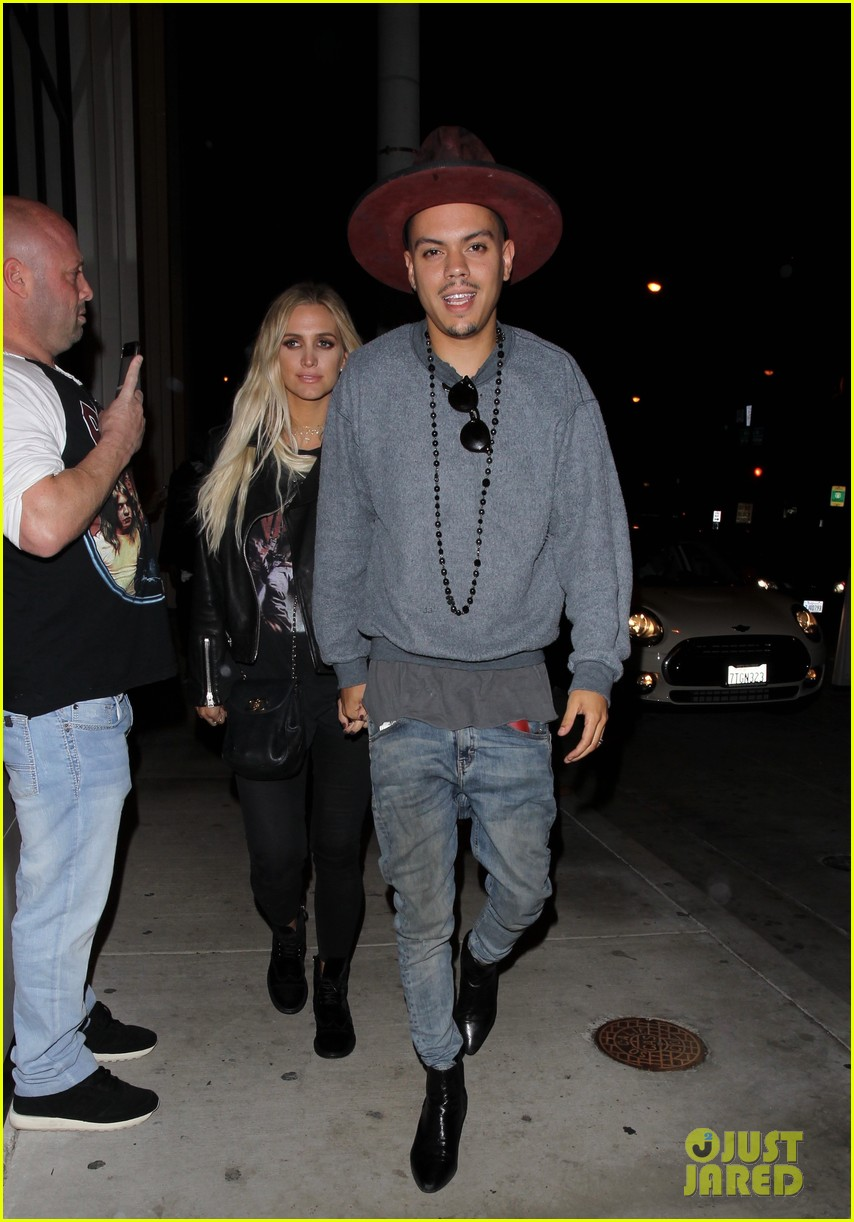 jessica ashlee simpson go on date nights with their guys 143802646