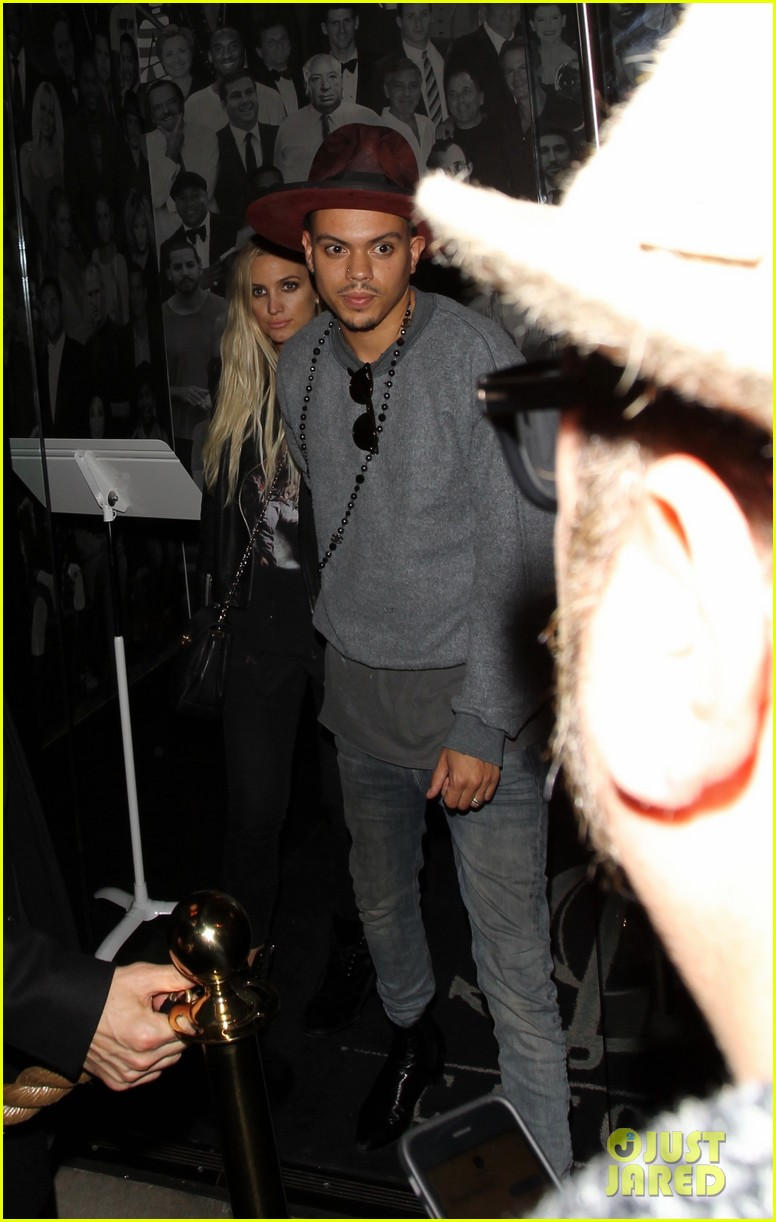 jessica ashlee simpson go on date nights with their guys 183802650
