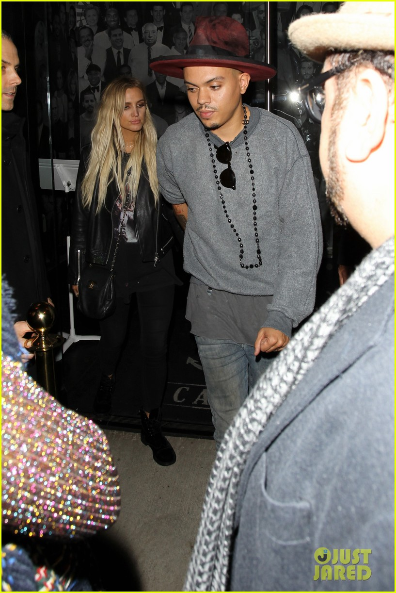 jessica ashlee simpson go on date nights with their guys 213802653
