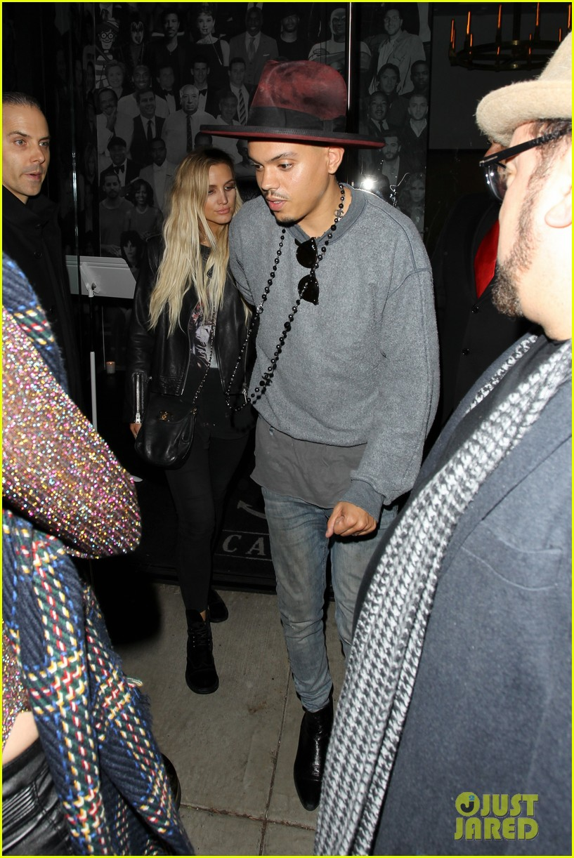 jessica ashlee simpson go on date nights with their guys 233802655