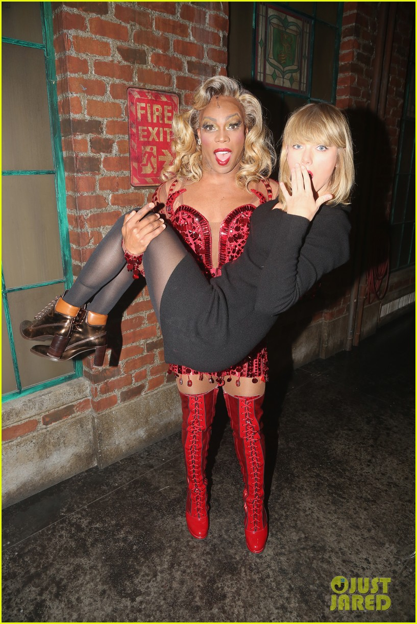taylor swift todrick hall kinky boots backstage 043814703