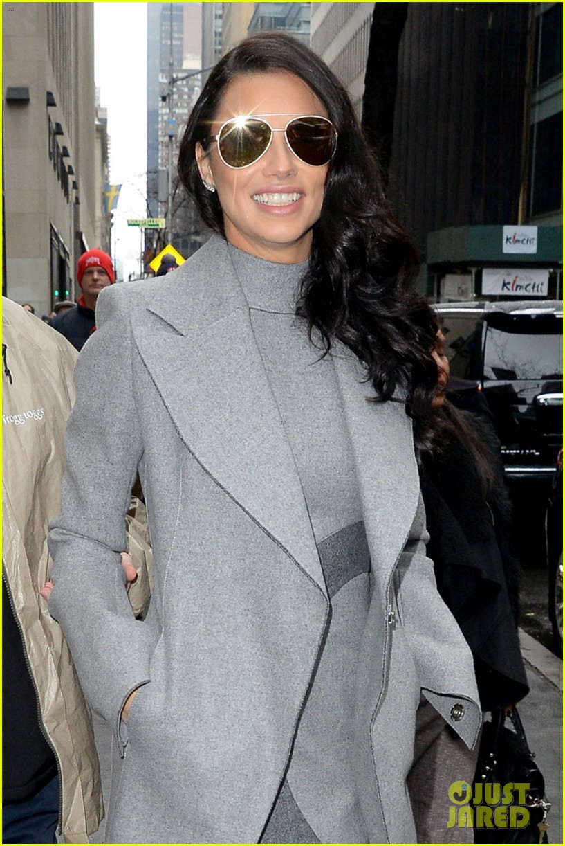 adriana lima wants her daighters to follow in her footsteps 043821914
