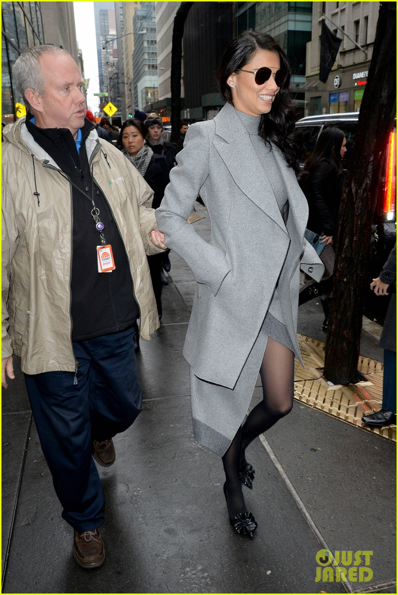 adriana lima wants her daighters to follow in her footsteps 053821915
