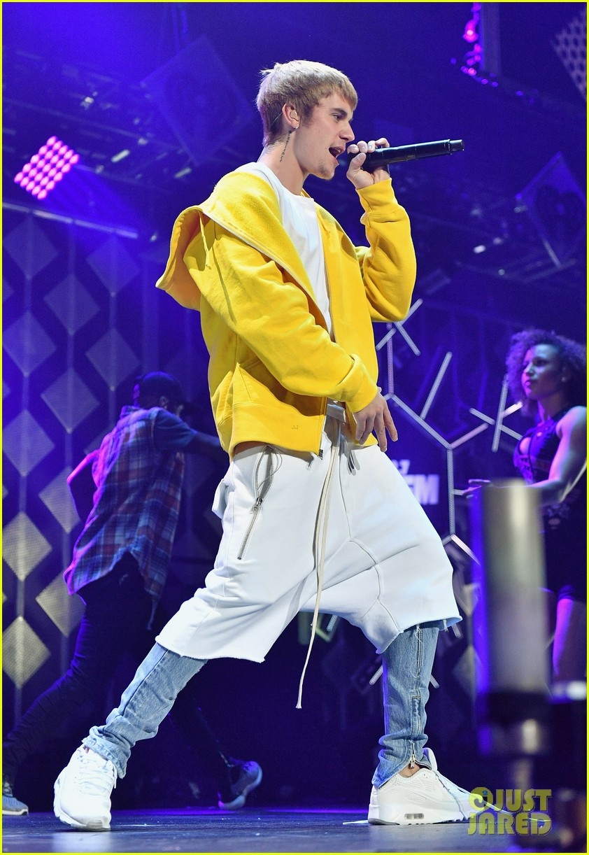 VIDEO Justin Bieber Covers Tracy Chapmans Fast Car At Jingle - Fast car 2016 song