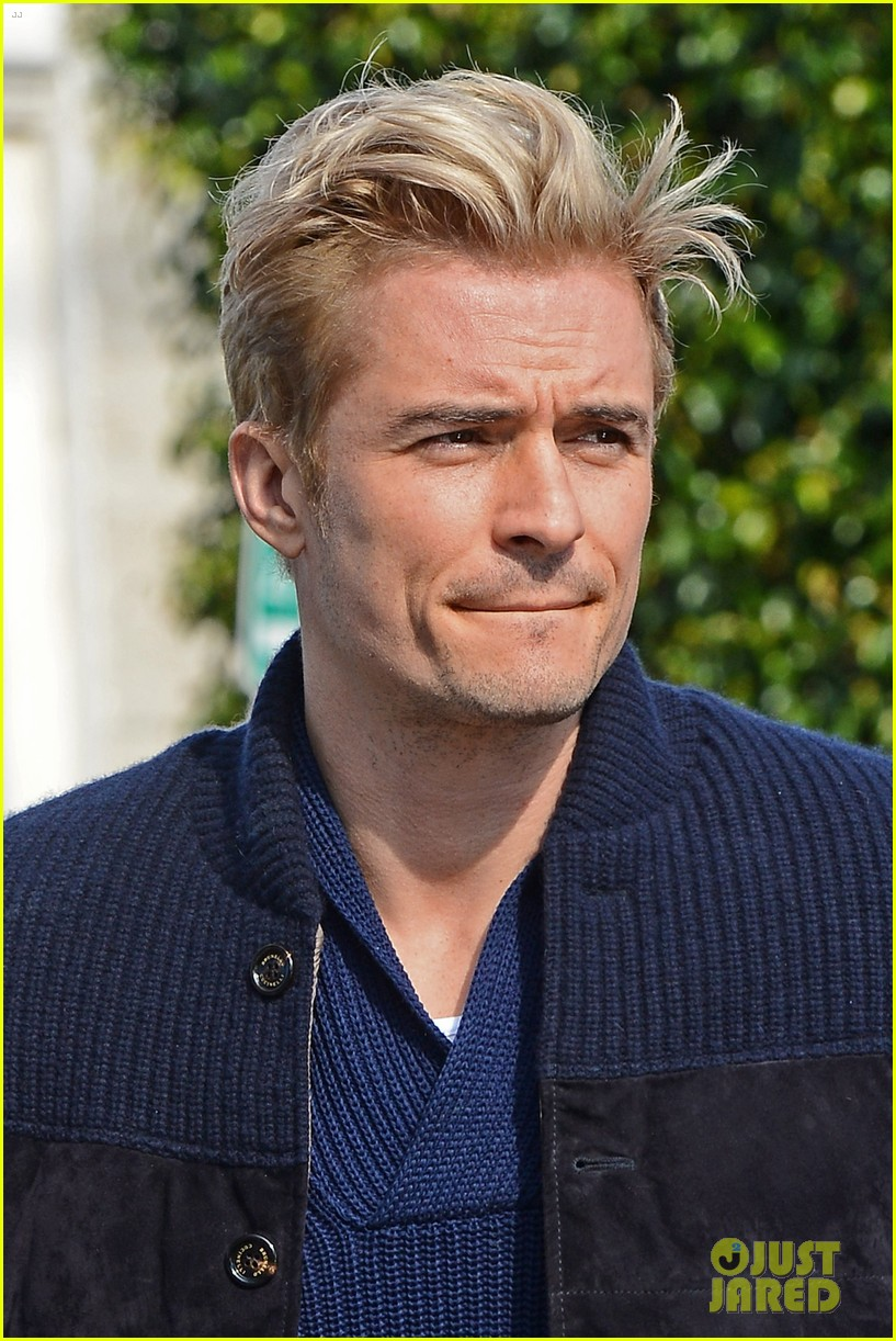 orlando bloom gets his blond hair touched up 193819301