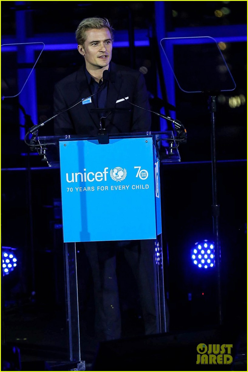 orlando bloom praises girlfriend katy perry for work with unicef shes amazing 123827201