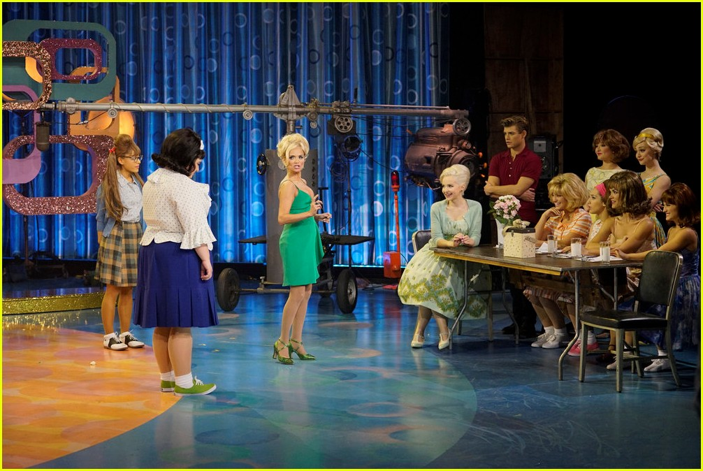 kristin chenoweth miss baltimore crabs hairspray live 013823438