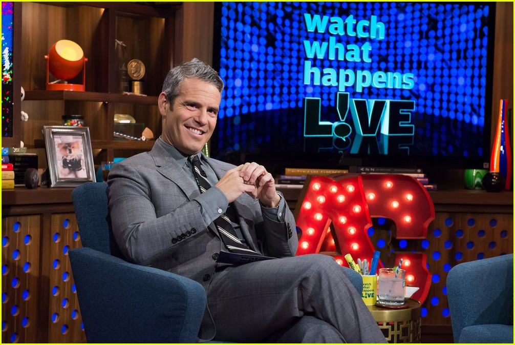 anderson cooper reveals why he never dated andy cohen 203819222