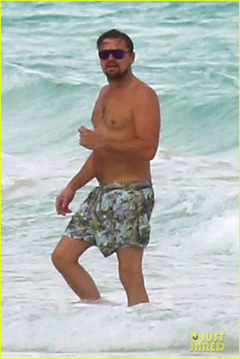 leo dicaprio hits the beach shirtless 023827884