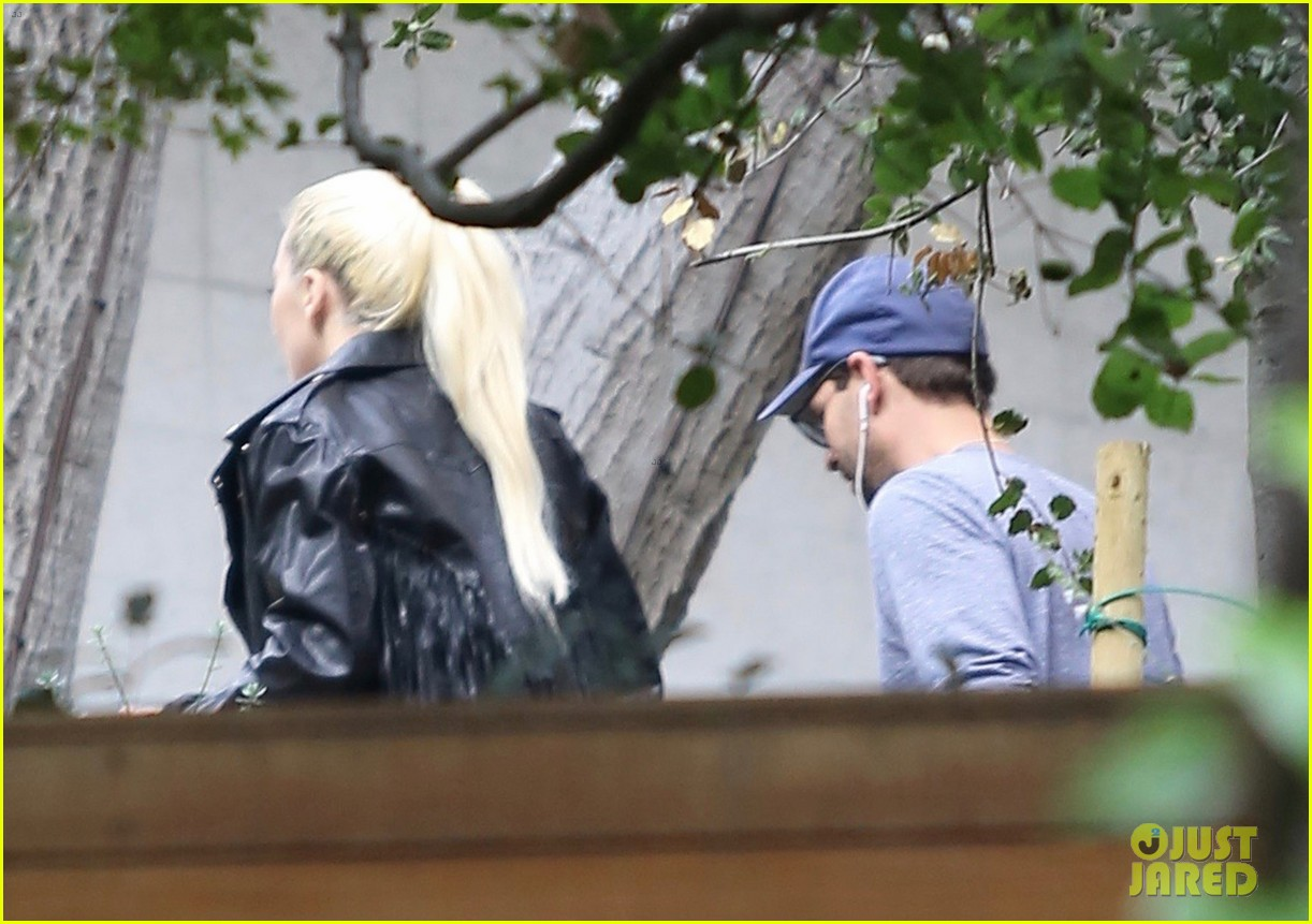 lady gaga stops by bradley coopers house 113825369