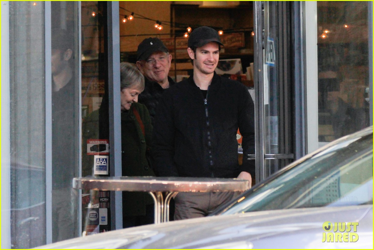 Full Sized Photo of andrew garfield spends christmas with ... Andrew Garfield 2016