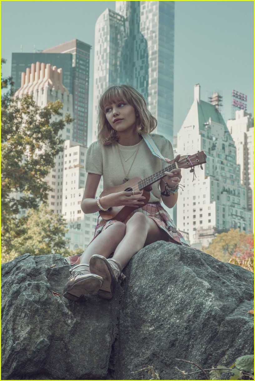 grace vanderwaal beautiful thing lyric video 013830845