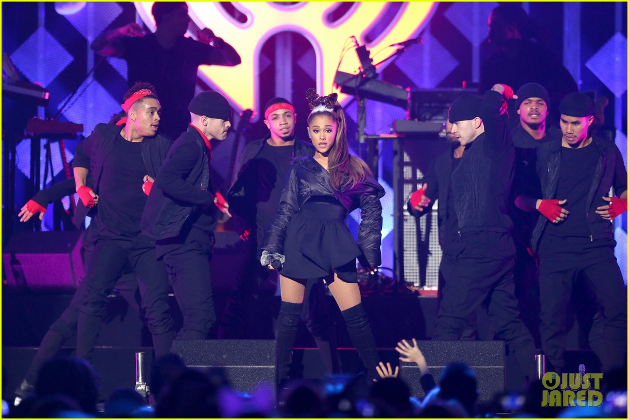 ariana grande dnce rock out at jingle ball 133829845