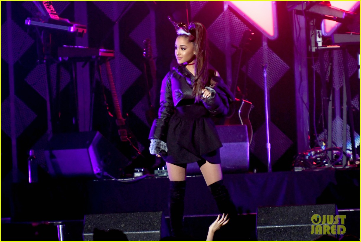 ariana grande dnce rock out at jingle ball 153829847