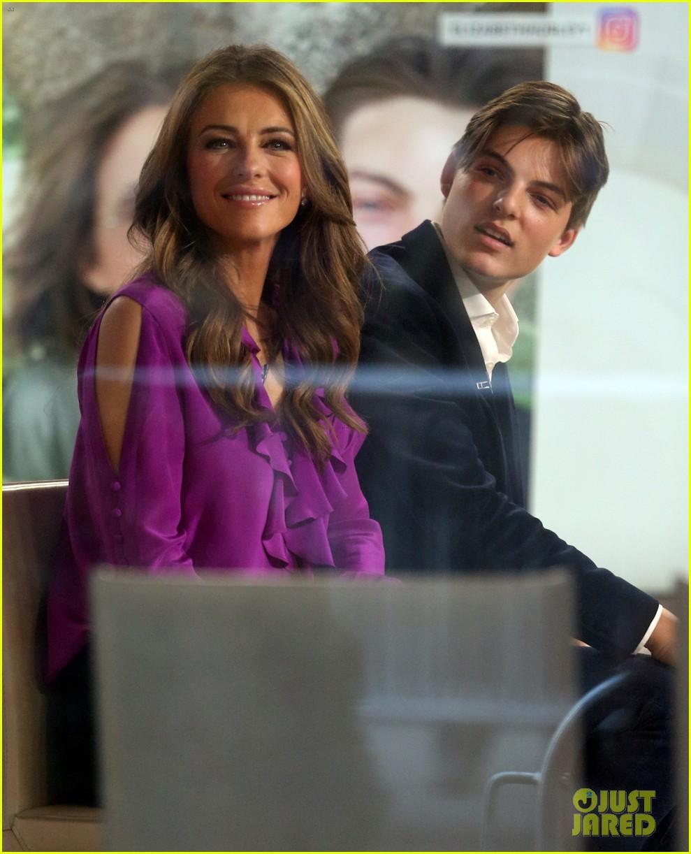 Elizabeth Hurley Praises Son Damian's Debut on 'The Royals': Photo 3830410  | Celebrity Babies, Damian Hurley, Elizabeth Hurley, The Royals Pictures