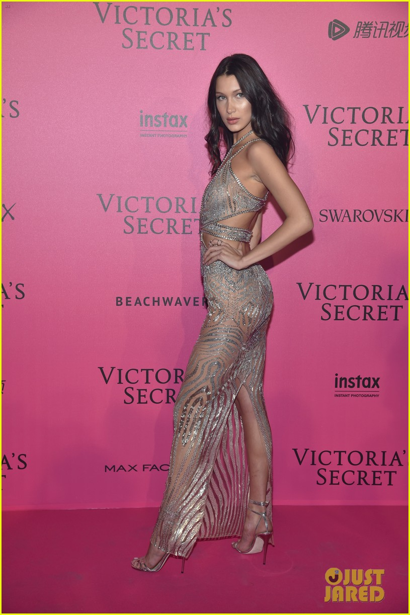 Kendall Jenner Parties With Gigi & Bella Hadid at Victoria\'s Secret ...