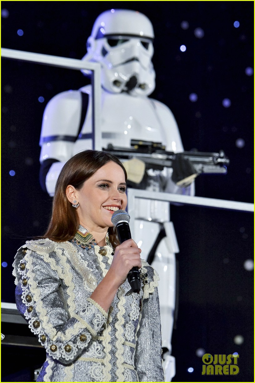 felicity jones does not want her rogue one character to be objectified 033824509