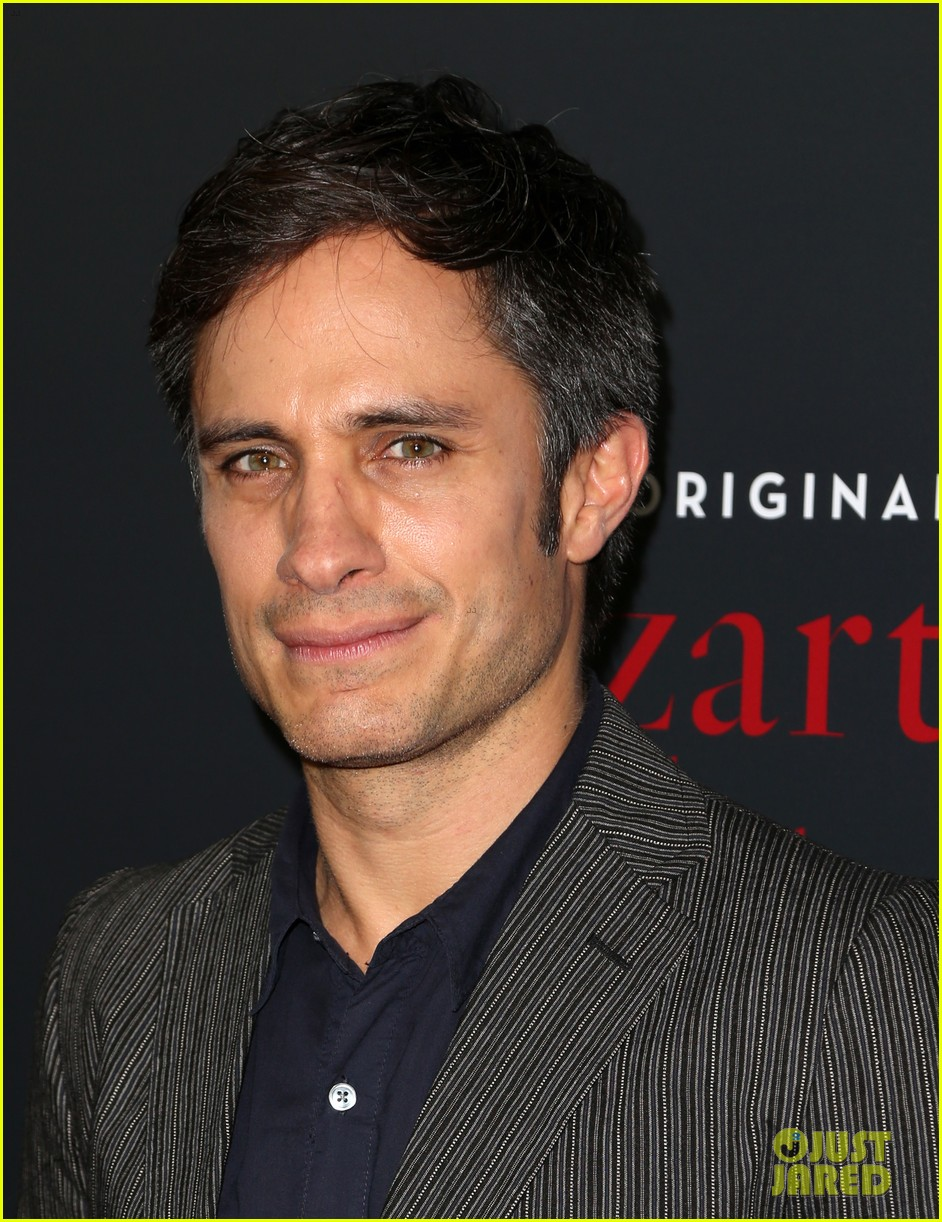 gael garcia bernal and mozart in the jungle cast premiere season three in la 013819542