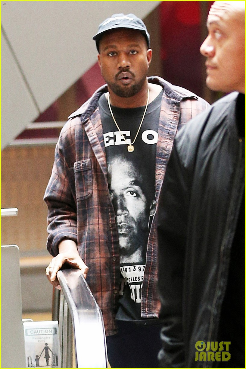 Kanye West Catches a Movie on Christmas Eve!: Photo 3832808 | Kanye ...