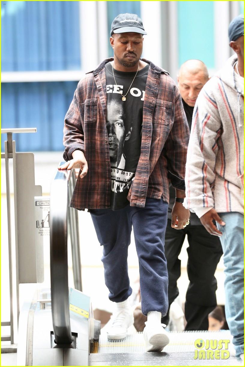Kanye West Catches a Movie on Christmas Eve!: Photo 3832810 | Kanye ...