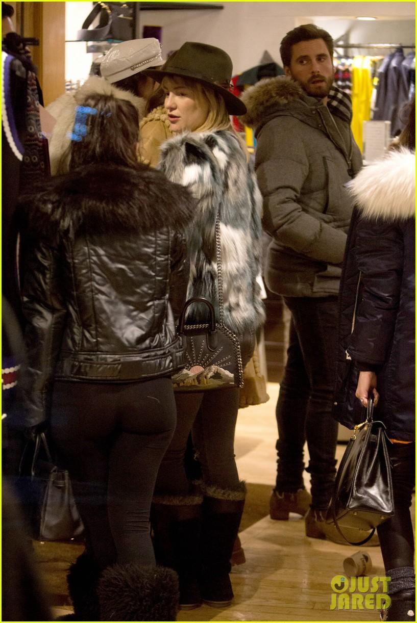 kourtney kardashian runs into paris hilton amp kate hudson