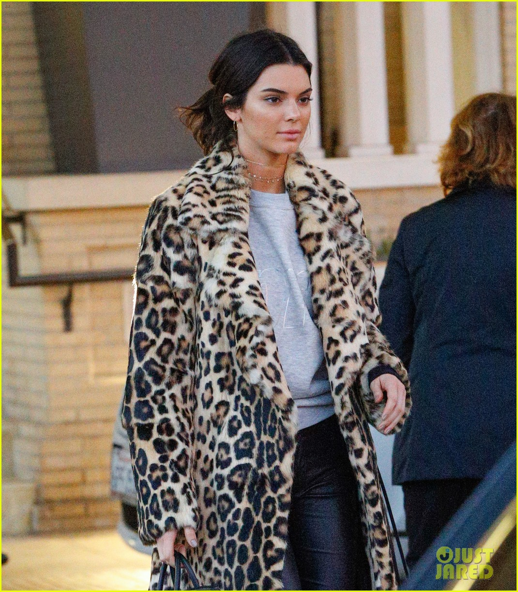 Kendall Jenner Has Some Holiday Gift Ideas for Christmas 2016 ...