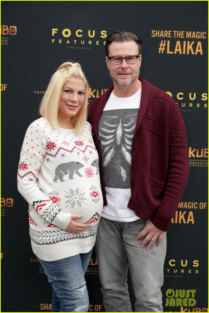 jaime king makes it a family affair at magical laika experience 033832192