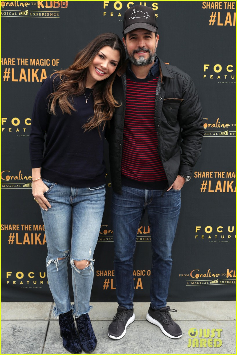 jaime king makes it a family affair at magical laika experience 053832194