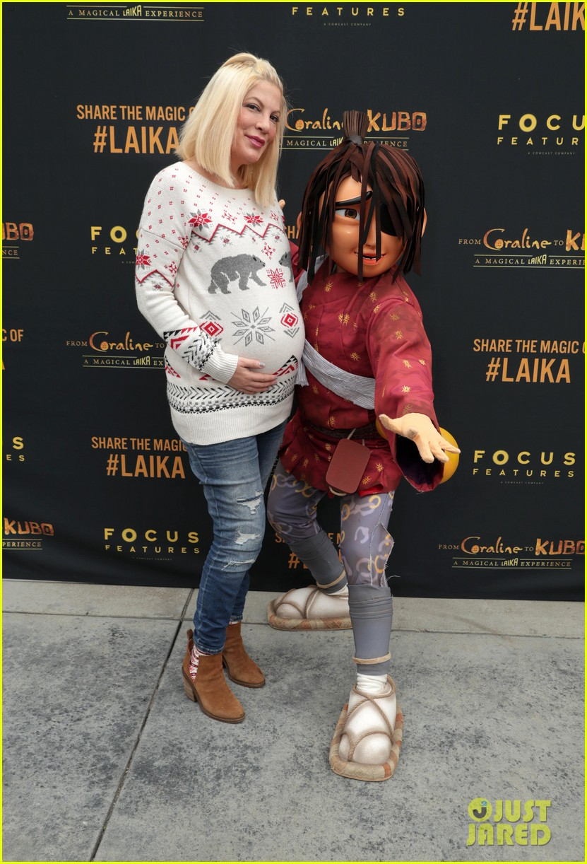 jaime king makes it a family affair at magical laika experience 213832210
