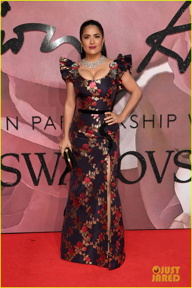 jared leto salma hayek dress in gucci at fashion awards in london 013821819