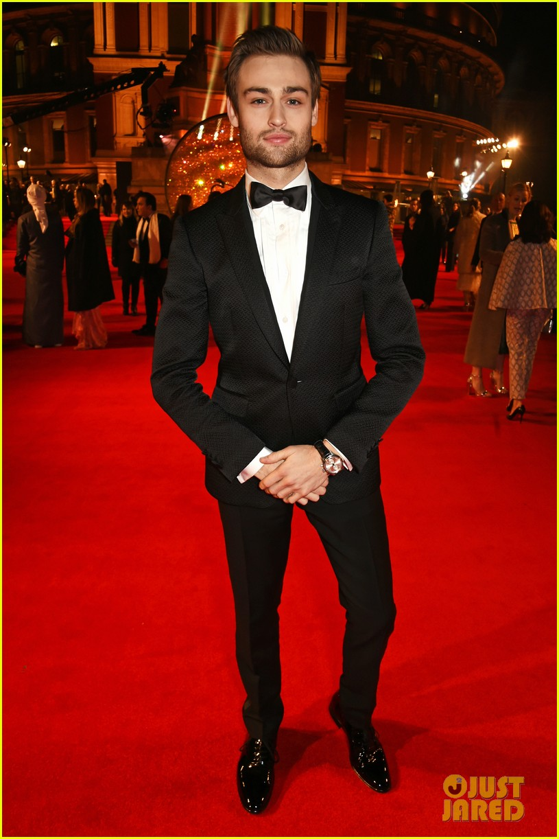 jared leto salma hayek dress in gucci at fashion awards in london 033821821