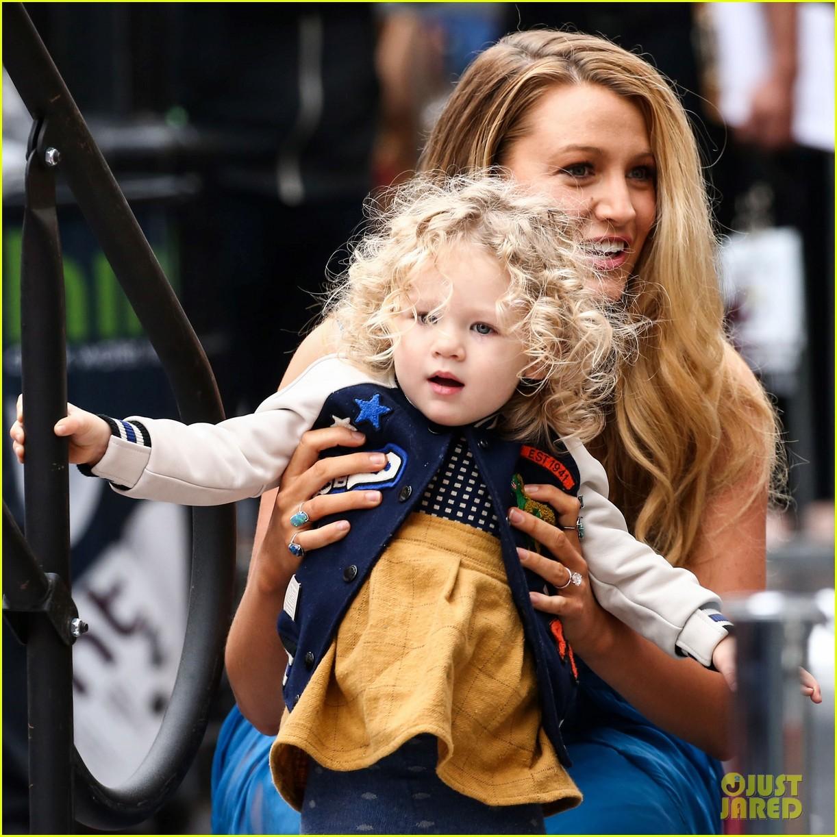 Blake Lively & Rya...