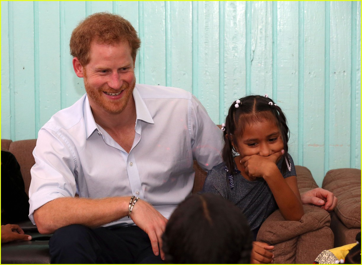 will prince harry meghan markle spend christmas together 073821114