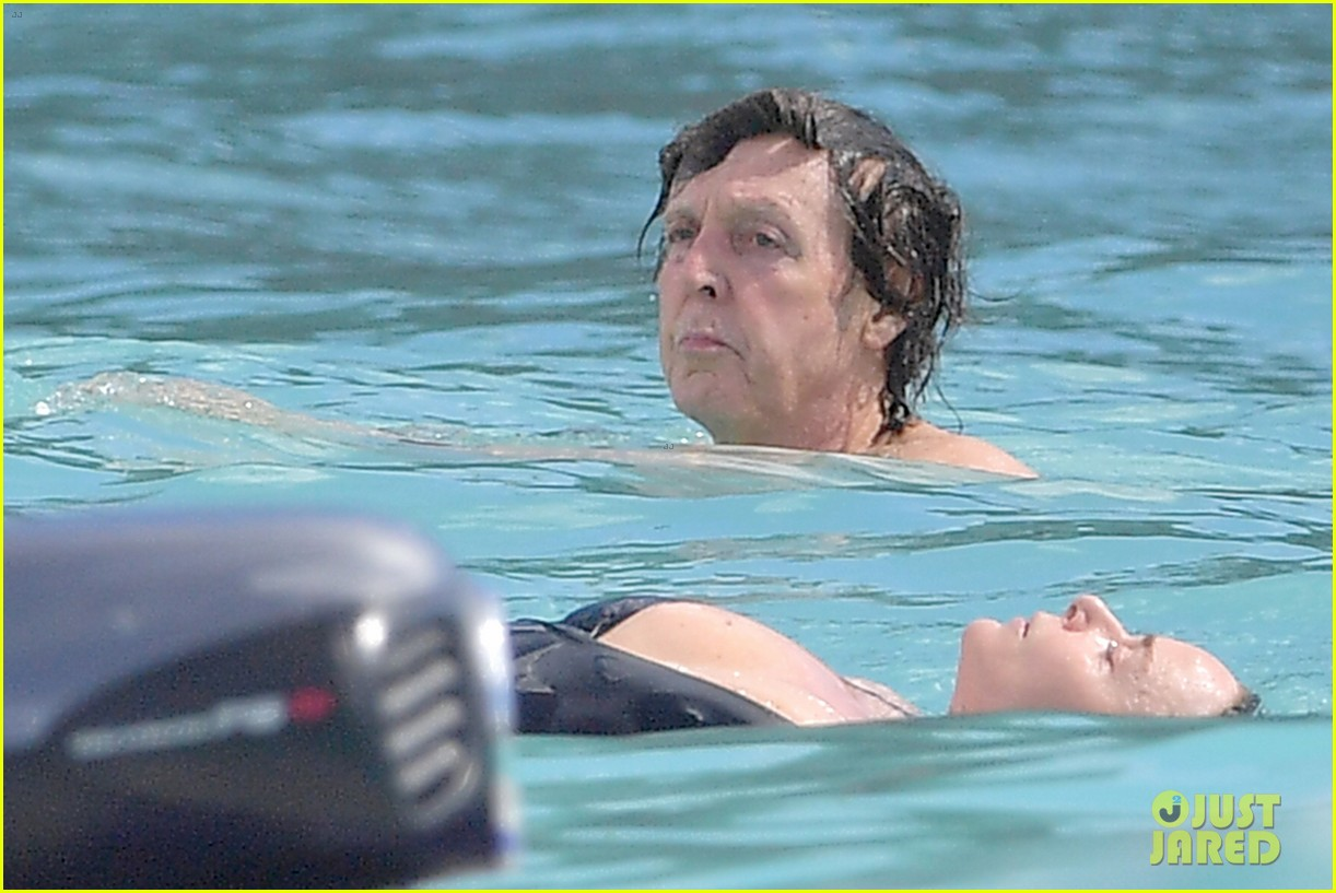 paul mccartney hits beach with daughter stella st barts 113833767