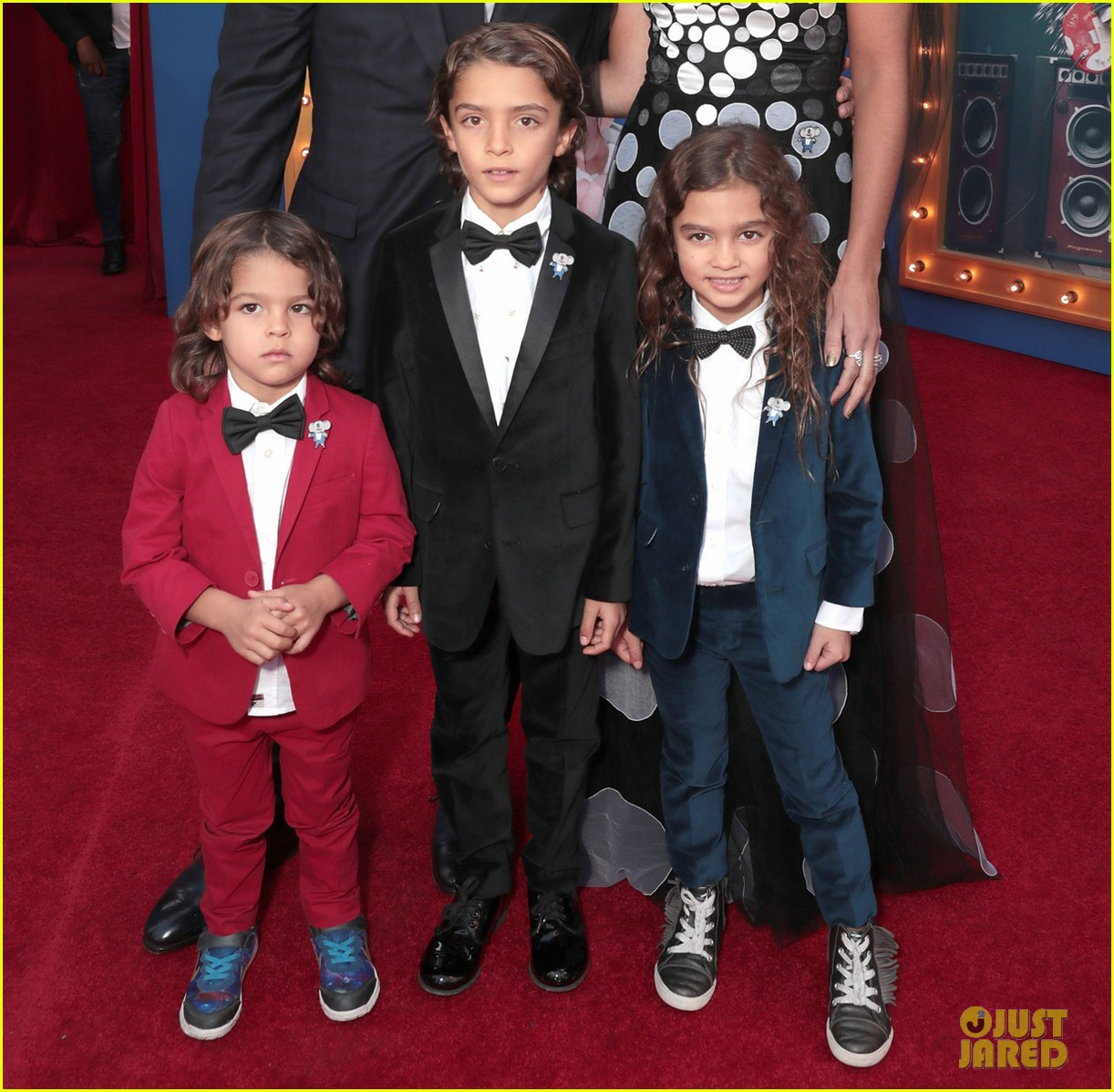 matthew mcconaughey and his family step out for sing premiere 023820463