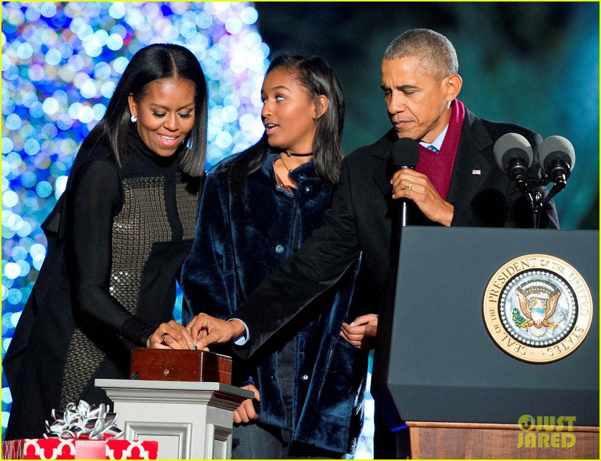 the obamas light their final christmas tree at the white house with star studded guests