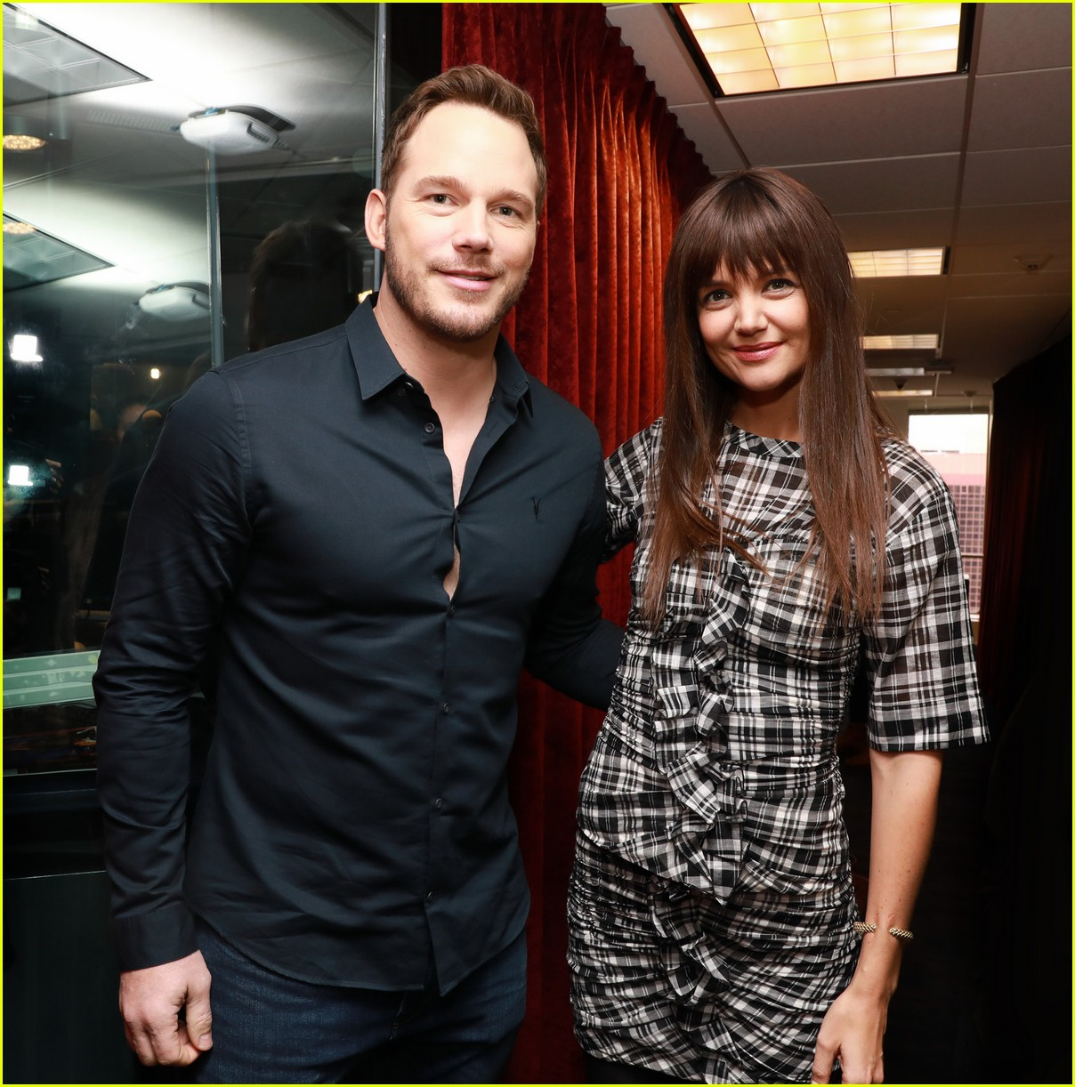 chris pratt katie holmes meet up during press tours 053822438