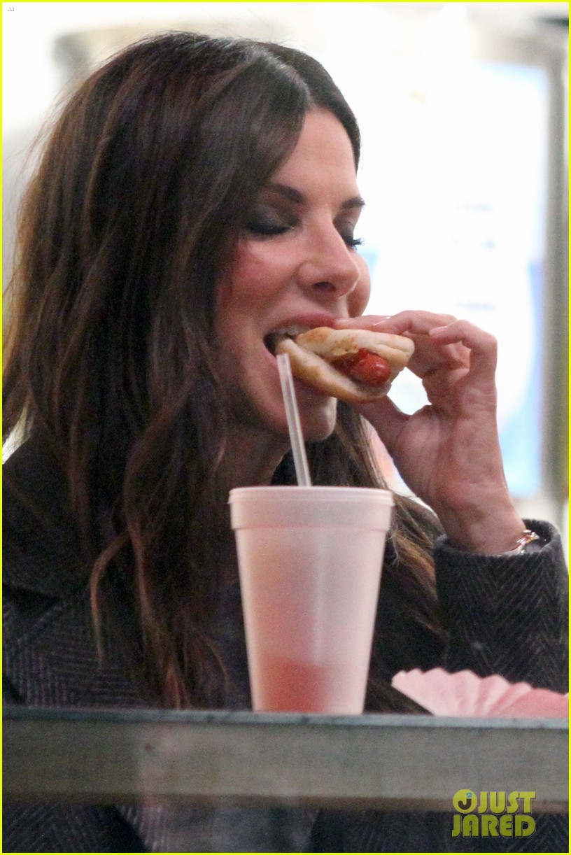 rihanna sandra bullock chow down on hot dogs 023823943