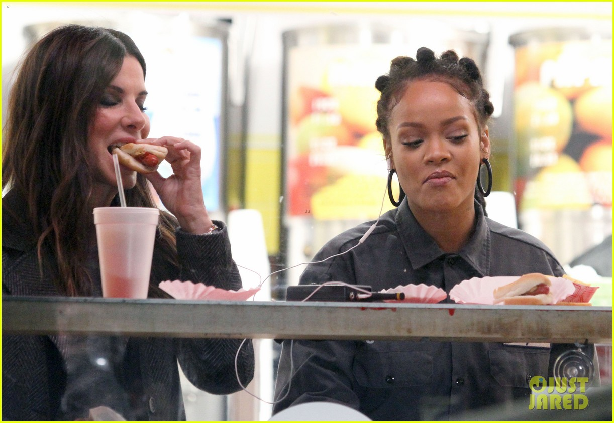 rihanna sandra bullock chow down on hot dogs 113823952