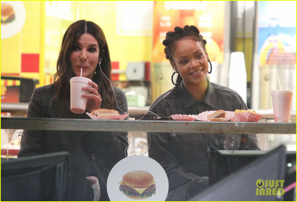 rihanna sandra bullock chow down on hot dogs 153823956