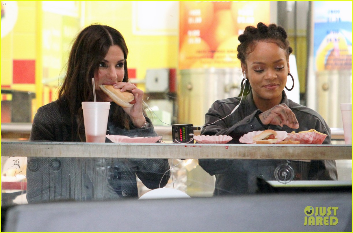rihanna sandra bullock chow down on hot dogs 233823964