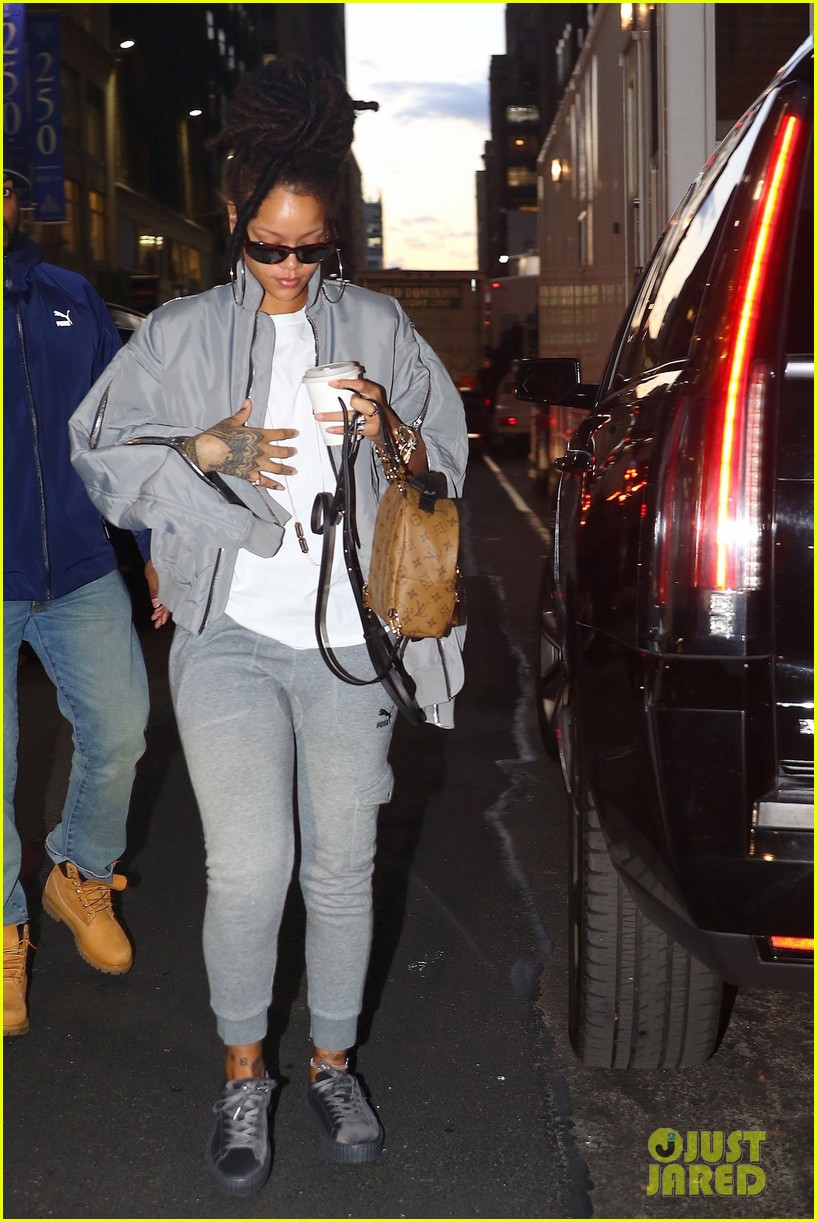 free shipping 384cc 37074 Rihanna Arrives to 'Ocean's Eight' Set in Her Fenty x Puma ...