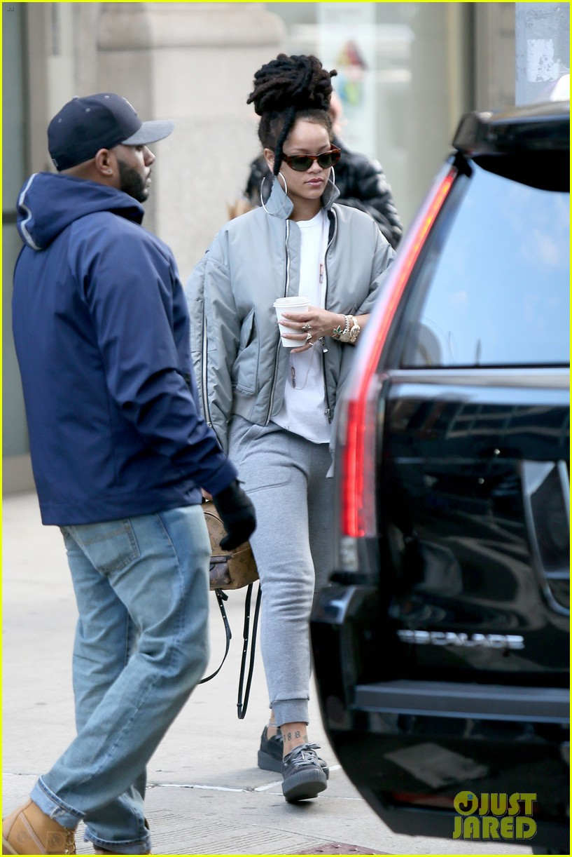 free shipping 5327d c5489 Rihanna Arrives to 'Ocean's Eight' Set in Her Fenty x Puma ...