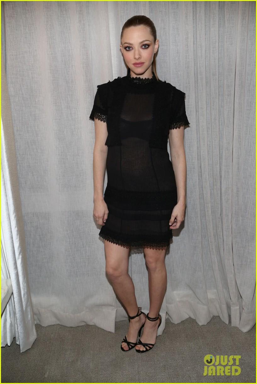 Amanda Seyfried Debuts...